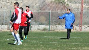 Manolo Herrero: ''Si no ganamos al Nàstic, el primer puesto se pondría difícil''