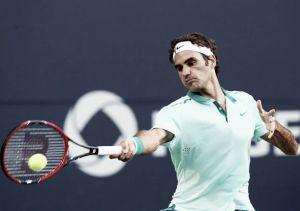 Federer en la semifinal con luces y sombras