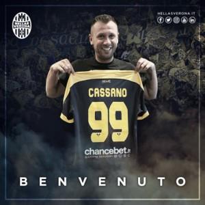 Hellas Verona anuncia contratações dos atacantes Cerci e Cassano