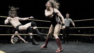 Dunne y Cole le roban el protagonismo al 'main event'