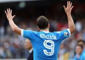 Napoli - Udinese: un lampo di Higuain, Sarri corre