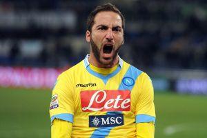 Higuain stende la Lazio