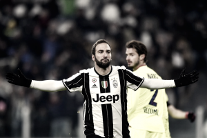 Serie A - La Juve va con Higuain d'assalto e Dybala di rigore. 3-0 e Bologna steso