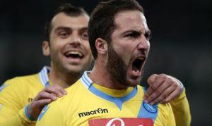 Higuaín devuelve al Nápoles a la senda de la victoria