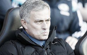 """Chelsea, Mourinho parla di mercato: """"Salah andrà via, non c'è posto"""""""