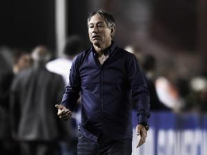 """Holán elogia equipe após vitória na Sul-Americana: """"Tiveram valentia, coragem e caráter"""""""