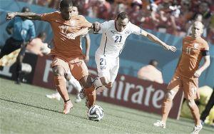 Holland 2-0 Chile: Van Gaal's men secure top spot in Group B