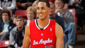 Ryan Hollins firma por los Sacramento Kings