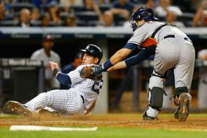 Houston Astros Defeat New York Yankees 7-4