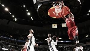 Houston vence a Memphis desde la línea de tres