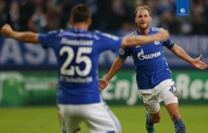 Schalke 4-3 Sporting: Penalty heartbreak for Sporting as Germans edge seven-goal thriller
