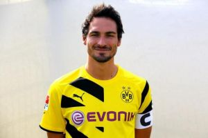 Hummels talks Bayern, buy-out clauses and contract details