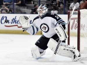 Michael Hutchinson renueva con los Winnipeg Jets por dos temporadas