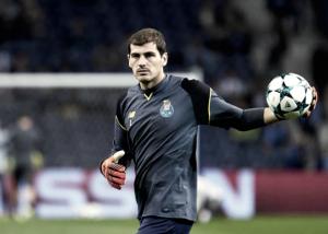 """Iker Casillas: """"Todos los jugadores siempre pasan por el banquillo"""""""