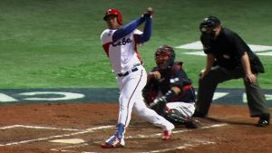 """Philadelphia Phillies """"Strong Contenders"""" For Cuban Outfielder Yasmany Tomas"""