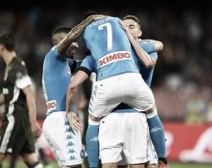 El Nápoles debuta en casa con victoria, con luces y sombras