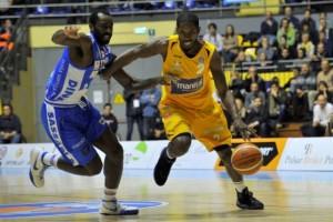 Serie A Beko, Cremona continua a sognare mentre Dyson punisce l'ex Sassari