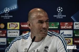 """Zidane: """"Estoy contento con la plantilla que tengo y es difícil mejorarla"""""""