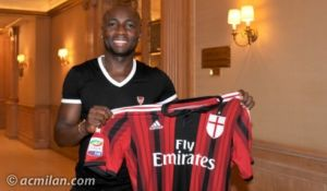 Armero signs for AC Milan