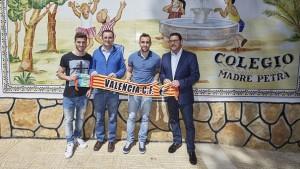 Paco Alcácer y José Luis Gayà expanden el valencianismo en Torrent