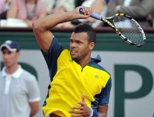 ATP Buenos Aires: esce di scena Isner. Avanti Tsonga e Thiem
