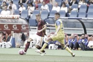 La Roma derrota al Chievo y se mantiene en la pelea por la segunda plaza
