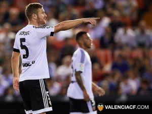 """Mustafi: """"Estoy feliz por el gol pero más por los tres puntos"""""""
