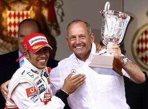 Hamilton Linked With McLaren Return