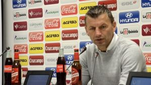 """Djukic: """"Vamos a ir a todos los campos a buscar la victoria haciendo nuestro fútbol"""""""