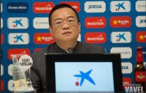 Chen Yansheng está en Barcelona para solucionar temas económicos y deportivos