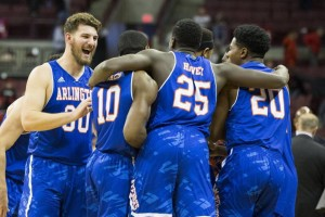 Sizzling In The Spotlight: Bennett & Wesner's College Basketball Picks For December 1