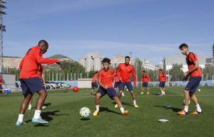 Pensando en el Bernabéu con dudas en la zaga del Levante