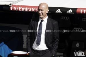 """Zidane: """"Benzema se queda trabajando después de los entrenamientos"""""""