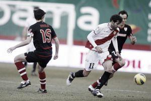 Tres goles de Llorente para vencer en Vallecas