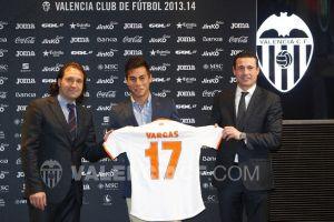 Vargas es presentado ante su nueva afición