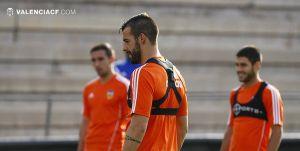 Nuno prueba con Negredo y Feghouli de cara al Barcelona