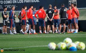 El Valencia CF vuelve al trabajo con pocos efectivos
