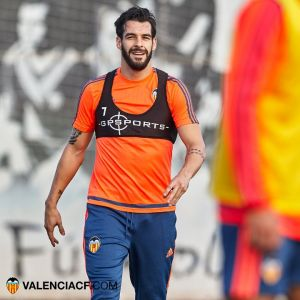 """Negredo: """"Me gustaría jugar más veces al lado de Paco Alcácer"""""""