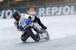 Adrián Martín se redime del error matinal y gana la segunda manga de Moto3