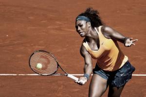 Serena gana por incomparecencia