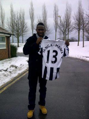 Yanga-Mbiwa signe à Newcastle