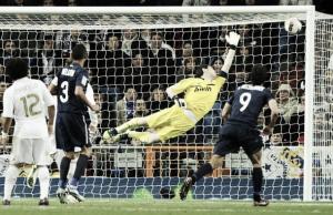 Real Madrid 1-1 Málaga: Cazorla agua la fiesta al Madrid con un sublime tiro de falta en el último minuto