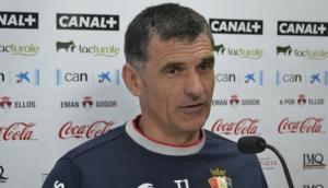 """Mendilibar: """"No nos sirve hacer cuentas y mirar contra quién juegan los rivales"""""""