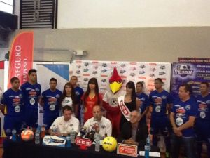 Presentan al Flash de Monterrey