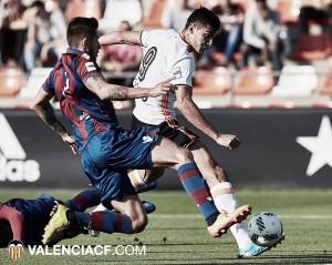 Mestalla y Atlético Levante se reparten el derbi