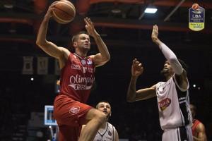 Legabasket - Milano sbanca anche Caserta (74-78)