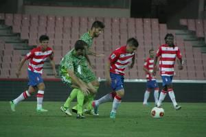 Nico enmarca la victoria del Granada B con un golazo