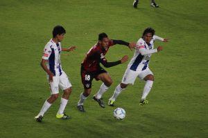 El 'delantero' Mosquera evitó la derrota tuza