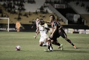 Criciúma vence Joinville com dois gols de João Paulo e deixa lanterna do Catarinense