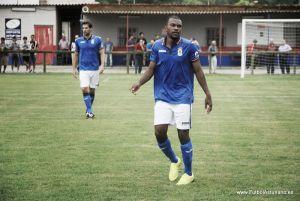 Franck Omgba anota el gol de la jornada 25 de Segunda División B